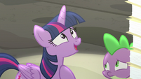 Twilight introduces herself to the EEA S8E1