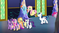Main five walk and chat with Cadance S5E19