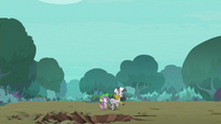 Spike and Zecora running away S8E11
