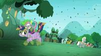 Spike gets on Twilight S5E26