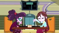 Velvet Sky and Varsity Trim having a chess match SS4