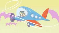 Applejack's plane shakes from turbulence PLS1E3a
