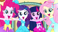 "Mane Six smile and say ""za cheese!"" SS2"