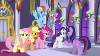 Twilight giving her friends more work S9E17