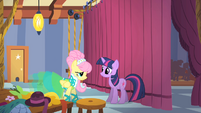 Fluttershy and Twilight backstage S1E20