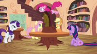 Pinkie Pie bouncing around library S4E18