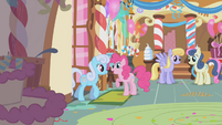 Pinkie Pie welcoming ponies to the party S1E05