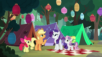 Pony sisters' campsite covered in paper lanterns S7E16
