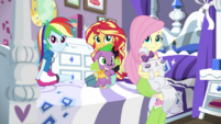 Rainbow, Sunset, and Fluttershy listen to Rarity EGS1