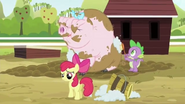 S03E09 Spike myje Piggingtona