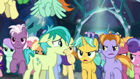 Sandbar tries to reason with the students S8E26