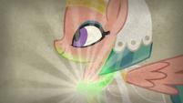 Somnambula's glowpaz necklace shines bright S7E18