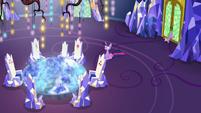 Spike closing the throne room doors S7E15