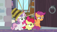 Sweetie Belle asking about Cozy Glow S8E26