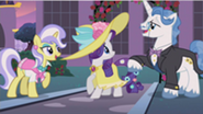 201px-Rarity sees Fancypants S2E9