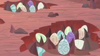 Dragon eggs in burrows in the ground S9E9