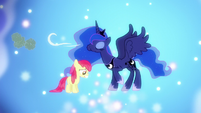 Luna blows away clouds over Apple Bloom S5E4