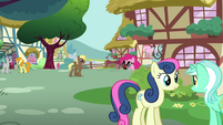 Pinkie with Groucho Marx glasses S5E19
