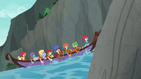 Ponies canoeing fast toward the rocks S8E9