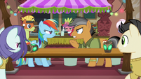 Rainbow and Quibble's argument attracts attention S6E13