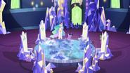 S07E01 Księżniczki przy mapie