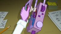 Twilight dismantles her tracking device EG3