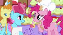 Mrs. Cake says Pinkie's name S5E19