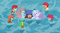 Ocellus and Silverstream save Yona S8E9