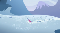 Pinkie pushing through the snow S5E11