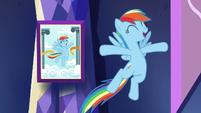 Rainbow mimics photo pose S5E3