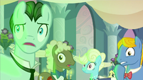 Background ponies gasping S2E26