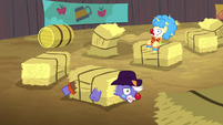 Rodeo clowns stuck in hay bales S5E6