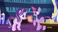 S06E01 Twilight mówi do Starlight o jej pierwszej lekcji przyjaźni