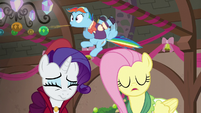 Snowdash spits out cider gag S06E08
