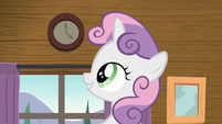 Sweetie Belle looking at clock on the wall S7E21