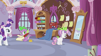 Sweetie Belle looking at mirror S2E05