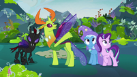 Thorax gesturing to the new throne room S7E17