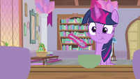 Twilight Sparkle eating lunch MLPS4
