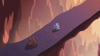 Ember and Spike hugging on the volcano bridge S6E5