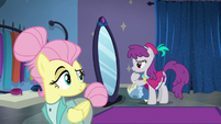 Fluttershy looking over at Silver Berry S8E4