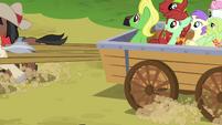 Hayride cart pulling away S03E08