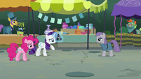 Rarity tells Maud to back up further S6E3