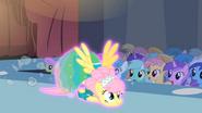 S01E20 Fluttershy na podłodze