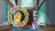 S05E26 Sunburst lewituje książki wokół siebie