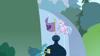 Silverstream hanging a friendship flag S8E2