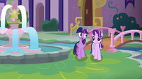 "Twilight ""they'll have these problems turned around"" S8E1"