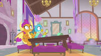 Twilight zooms up into the rafters MLPS4