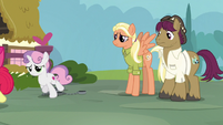 Apple Bloom and Sweetie follow Scootaloo S9E12