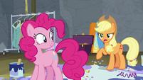 "Applejack ""wormy apple cores, Pinkie!"" S8E7"