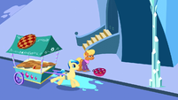 Crystal Pie Cart S3E12